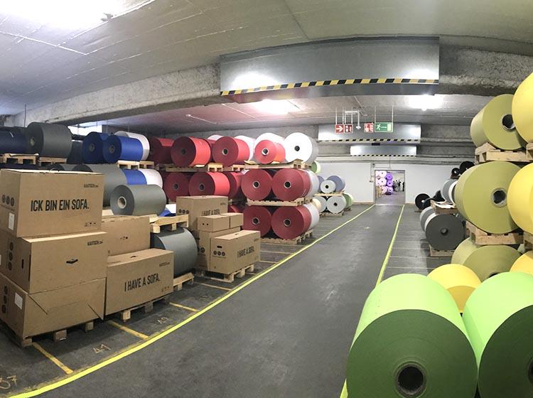 GMUND工場の内部
