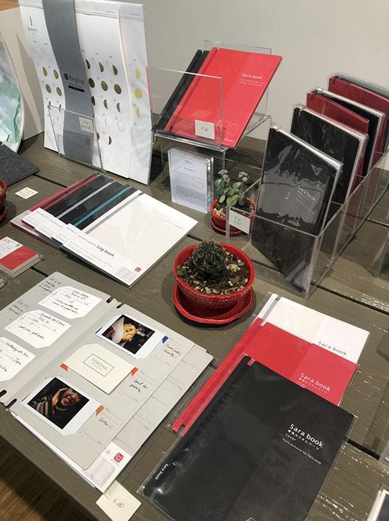 TENOHA MILANOで販売されているリプラグのステーショナリー、名刺ファイルLog bookやスクラップブックSara book