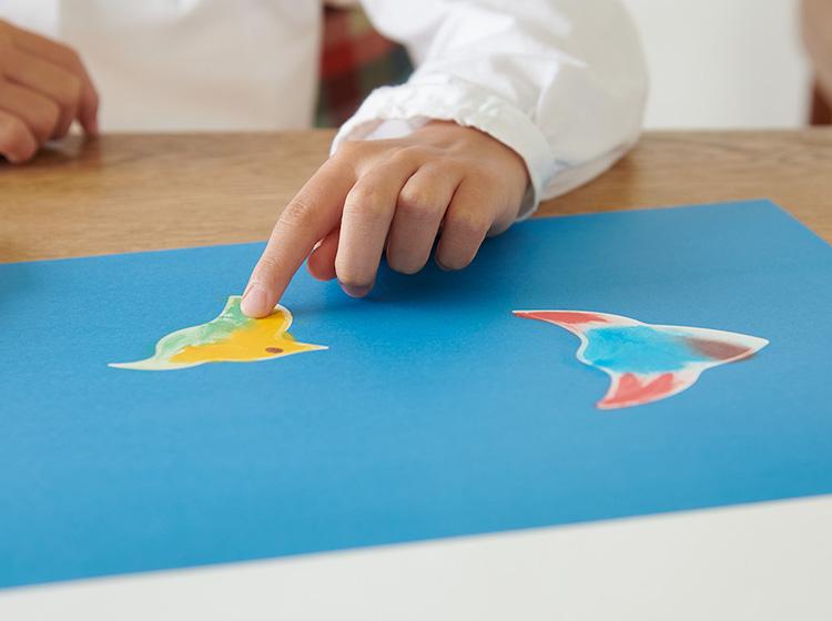フィンガーペインティングのお絵かき帳「アトリエ ミオ」